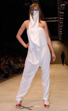 Werk van Sanaz Andishmand. Fotografie Jakolien van der Poel (www.ditisonswerk.nl). Met dank aan Iconique Fashion Magazine (www.iconique.com)