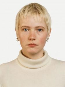 Thomas Ruff, Portrait (Andrea Kachold), 1987, Courtesy de kunstenaar