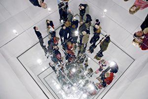 Christian Megert, Environment Documenta 4, 1968 Spiegels, hout, acryl, vilt 400 x 400 x 400 cm Collectie Christian & Franziska Megert Foto Peter Lengemann